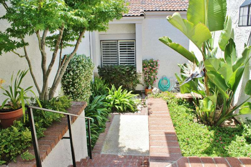 5 Rocky Knoll #15 Irvine, CA 92612
