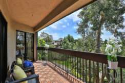 950 N Kings Road #307, West Hollywood  90069